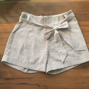 Criss Cross Seersucker Striped Pleated Shorts